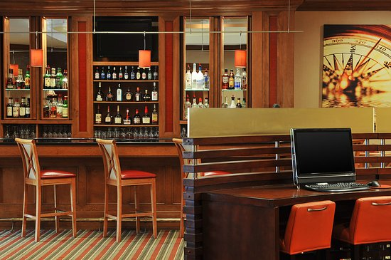 Crowne Plaza Annapolis: Bar and Lounge