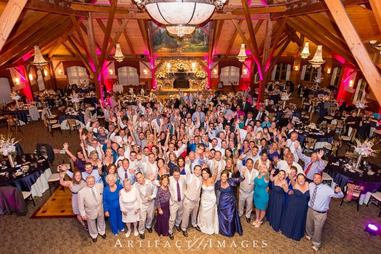 Tew Mac Tavern At Tewksbury Country Club Wedding In Grand Sequoia Ballroom