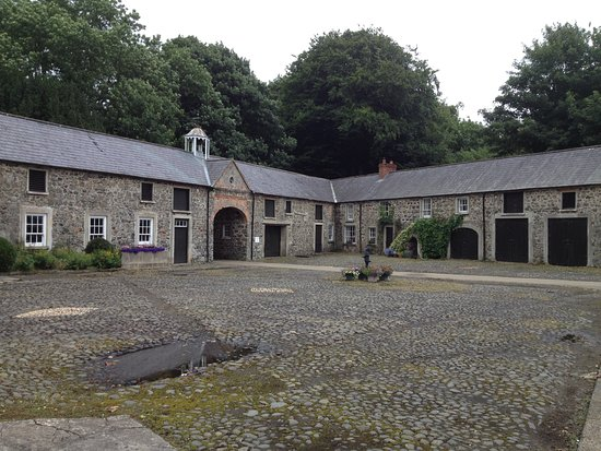 Antrim, UK: Benvarden courtyard