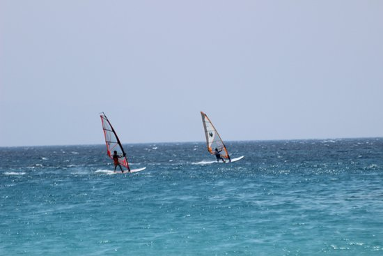 Coralli Beach Apartments: Sports: windsurf & kite surf