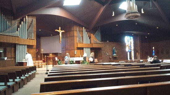 Crystal Lake, IL: St. Thomas the Apostle Catholic Church