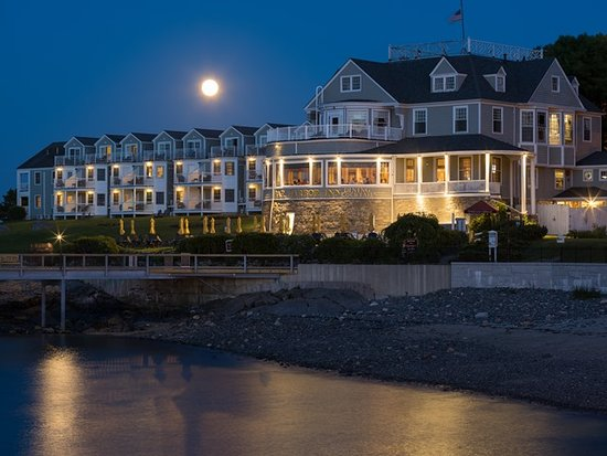 Bar Harbor Inn: Moonlight Evenings