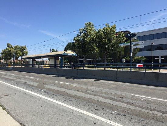 Santa Clara Valley Transportation Authority: VTA Light Rail Station At  River Oaks, Opposite Canon