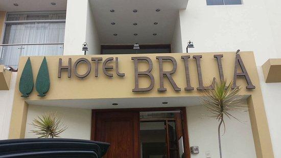 Hotel Briliá: Entrada del hotel, muy recomendable !!!