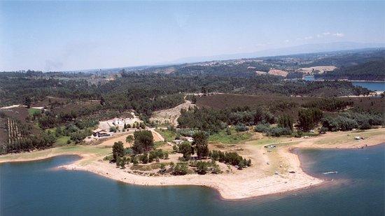 Santa Comba Dao, Bồ Đào Nha: Vista área Praia Fluvial da Senhora da Ribeira