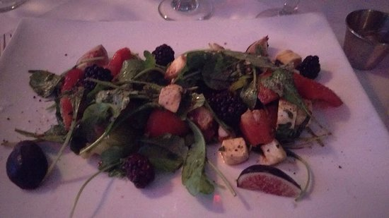 Black Duck on Sunset: Caprese salad