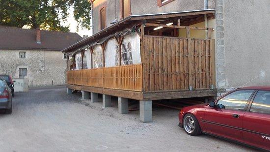 Saone-et-Loire, Frankreich: Vue arrière du restaurant