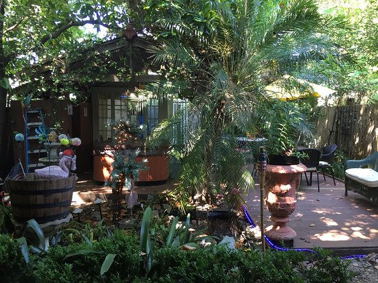 Madame Isabelles House In New Orleans Check That Garden Hot Tub The