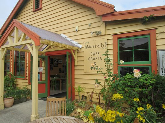 Northland Region, Selandia Baru: Morrell's Cafe on the main road north to Hokianga Harbour, and well worth a visit.