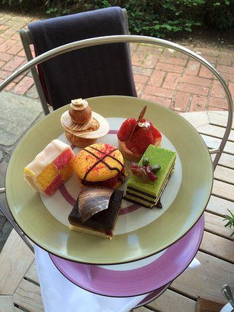 Close up of the individual cakes