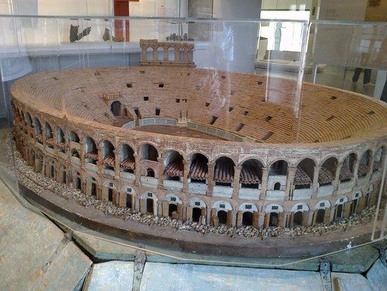 Museo Archeologico: modello dell'Arena