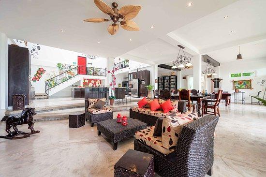 Orquidea del Sur: Living Room.