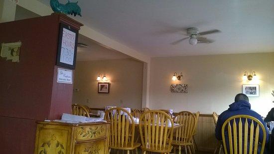 Breakfast Nook: Inside of the restaurant
