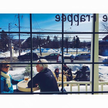 Terrasse Hivernale Picture Of Cafe Mountain Saint Sauveur Des