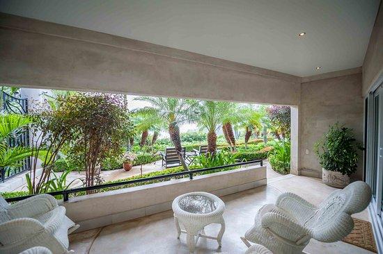Playa Yankee, นิการากัว: Each Poolside Apartment has a private ocean view.