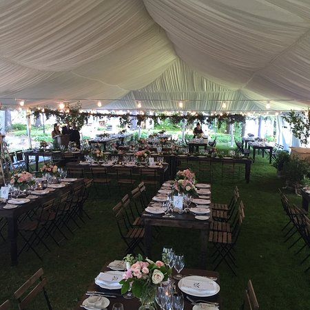 Port Carling, Canada: Stunning tent wedding.