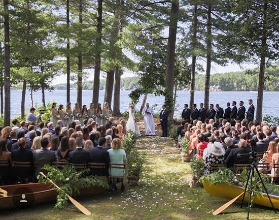 Port Carling, Canada: Ceremony at the point!