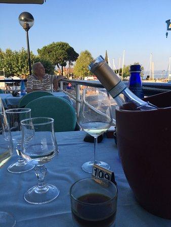 La Pescatrice Di Obertini Bortolo : Wirklich sehr empfehlenswert. Gute Weinauswahl und das Essen ist so wie es in Italien sein soll.