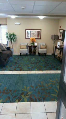 Candlewood Suites Hot Springs: Hotel Lobby