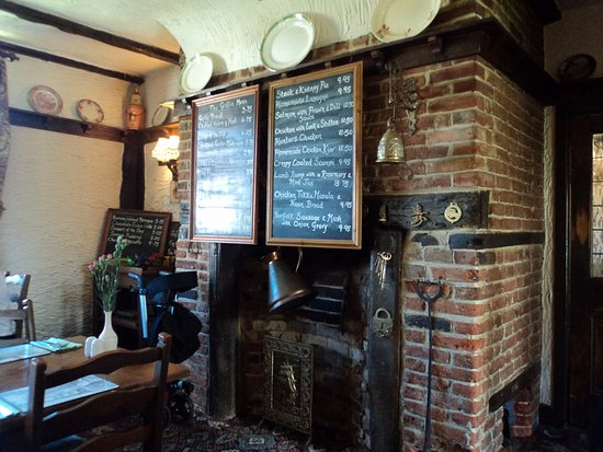 Attleborough, UK: Fireplace