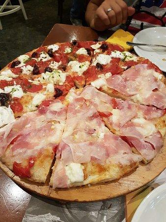 Pizza 120: 20160811_210513_large.jpg