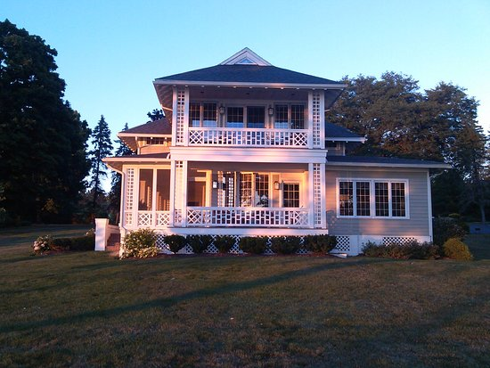 Auburn, NY: The B&B bathed in Owasco Lake sunset light.