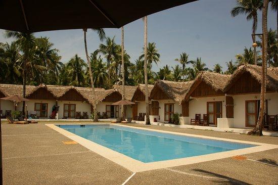 Elysia Beach Resort: Each little house is a room