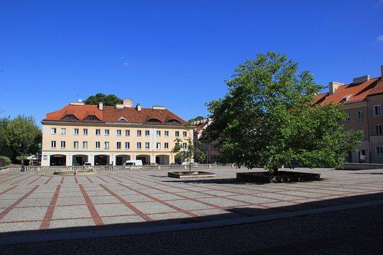 Mariensztat Square (Rynek Mariensztacki)