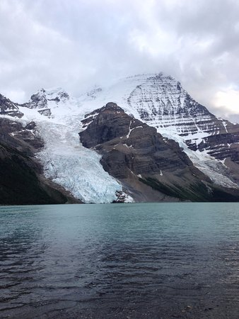 Kanadische Rockies, Kanada: Mount Robson, Berg Lake & Berg Glacier
