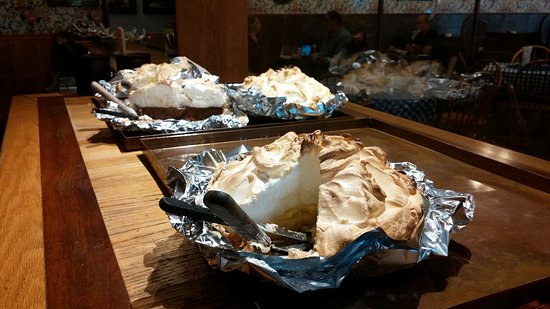Highland, IL: Foot High Pies
