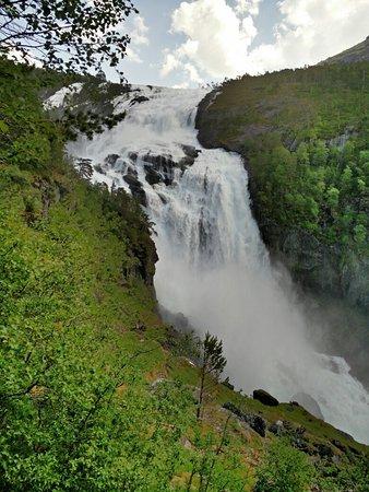 Kinsarvik, Norveç: IMG_20160606_135940_large.jpg