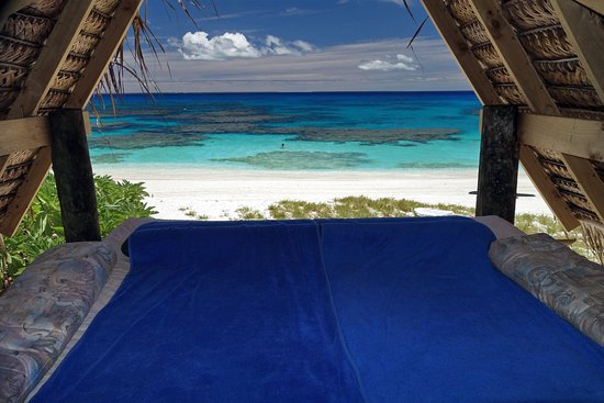 Foa Island, Tonga: Sleep out on the beach