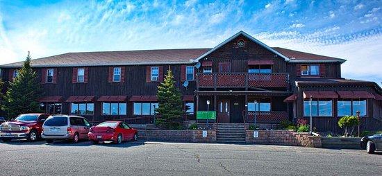 Neebing Road-House: photo0.jpg