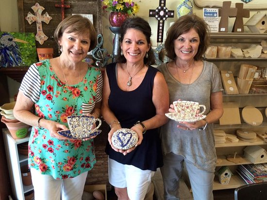 Waxahachie, Τέξας: These sisters made mosaics using their grandmother's broken china