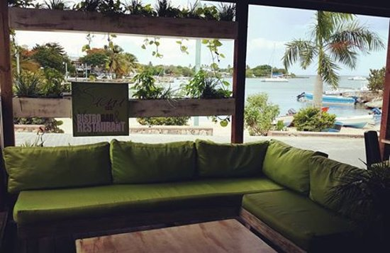 New lounge at Saona Cafe