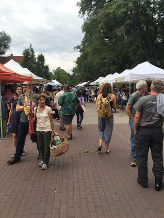 Boulder County Farmers Market : The market
