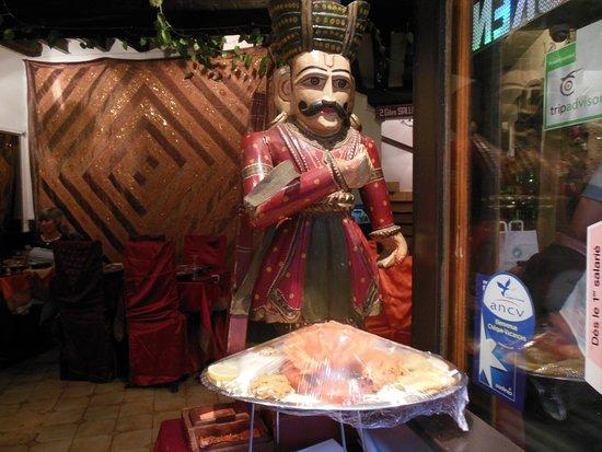 Décoration du restaurant photo de safran paris