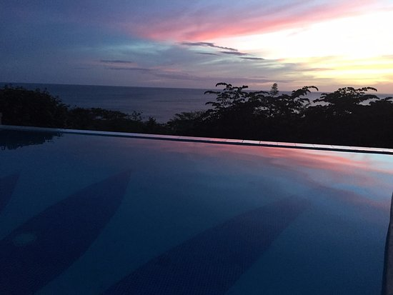 Playa Yankee, Nicaragua: one of the sunsets and its reflection in the pool