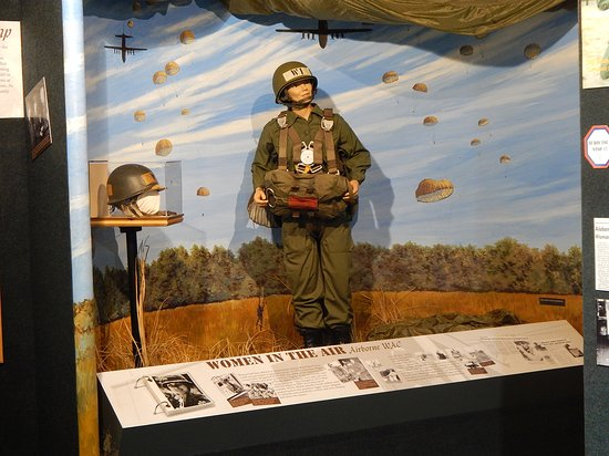 Fort Lee, VA: Airborne!! 1972