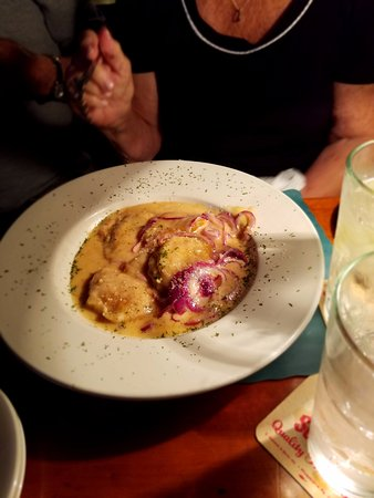 Pipersville, เพนซิลเวเนีย: Perogies in Brandy Cream Sauce