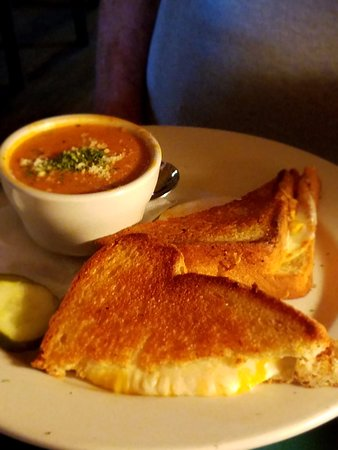 Pipersville, Pennsylvanie : Triple Grilled Cheese and Country Tomato Soup