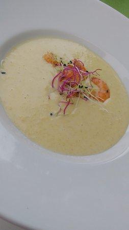 Saint-Nazaire-de-Ladarez, Frankrike: Soupe au maïs en entrée.