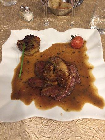 Sorges, Γαλλία: Rosace de magret et foie gras à la royale