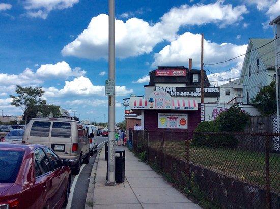 Everett, MA: Richie's Slush