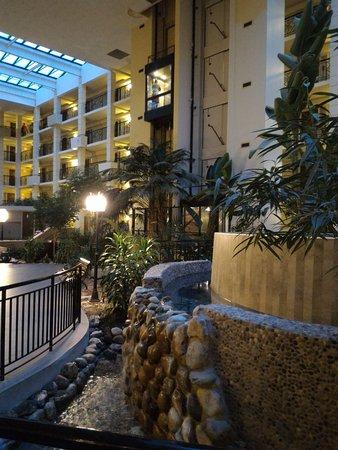 Piscataway, NJ: Hotel Atrium