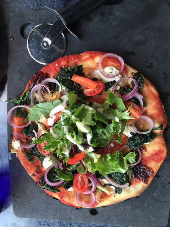 Pizza Express: THE BEST PIZZA I EVER HAD: Leggera Padana!!! OMG the tast of this pizza is just perfect.