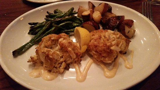 Glastonbury, CT : Maryland crab cakes