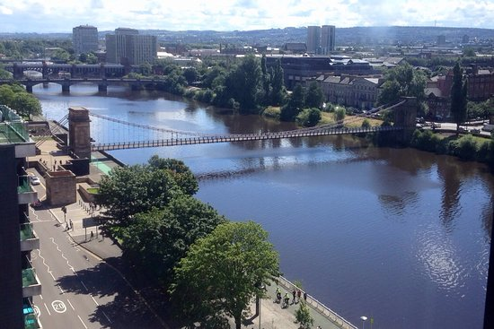 Jurys Inn Glasgow: Vista do quarto
