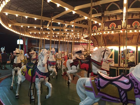 Ocean City Boardwalk: Great place for young and not so young. Awesome rides and great food