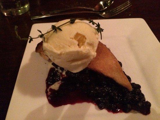 Walter's: blueberry pie